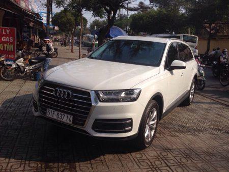 Audi-Q7-02