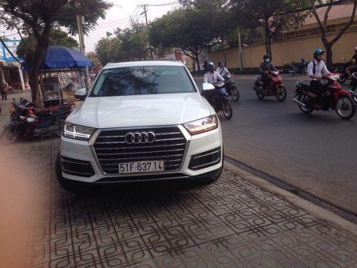 Audi-Q7-04