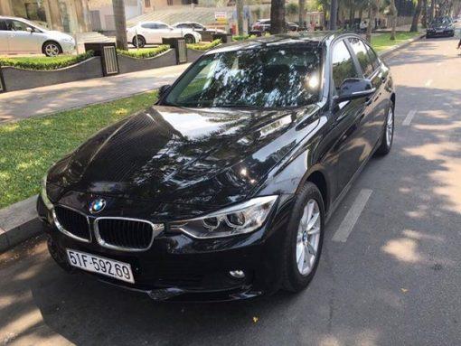 BMW-320i-03