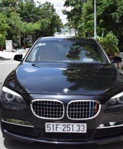BMW-750li-1