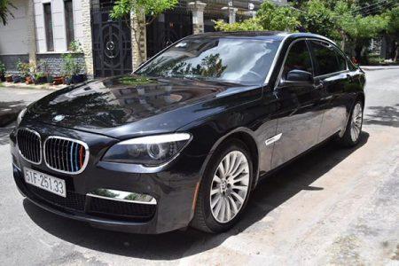 BMW-750li-2