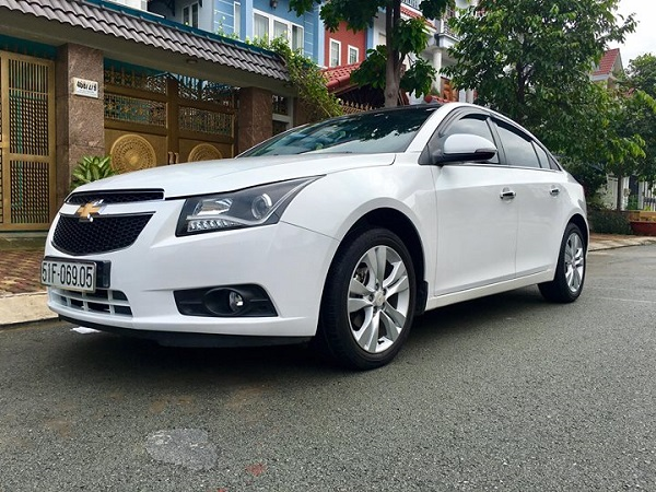 Chevrolet-Cruze-01