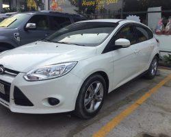 Cho-thue-xe-4-cho-Ford-Focus-01