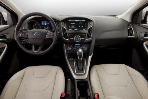 Cho-thue-xe-4-cho-Ford-Focus-04