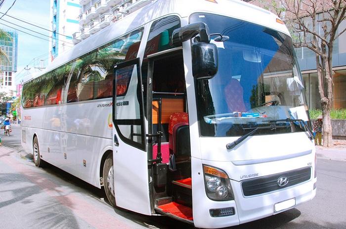 thuê xe du lịch 45 chỗ Hyundai Universe 02