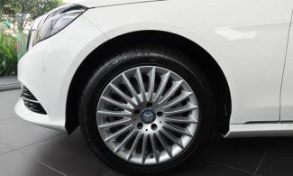 Mercedes-Benz-E200-2