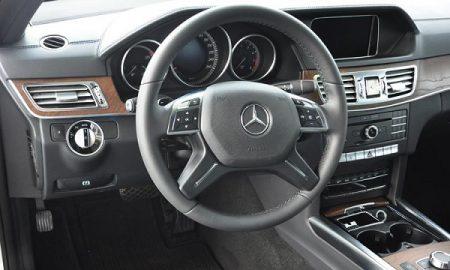 Mercedes-Benz-E200-3