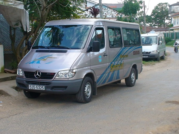 Mercedes-Sprinter-00