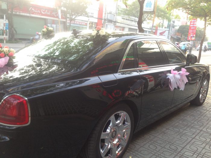 Rolls-Royce-Phantom-02