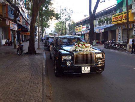 Rolls-Royce-Phantom-04