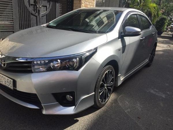 Cho thuê xe du lịch Toyota Altis 01