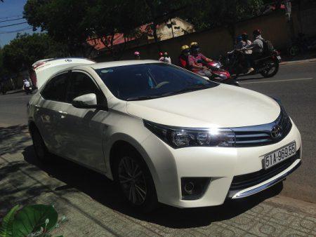 Toyota-Altis-05