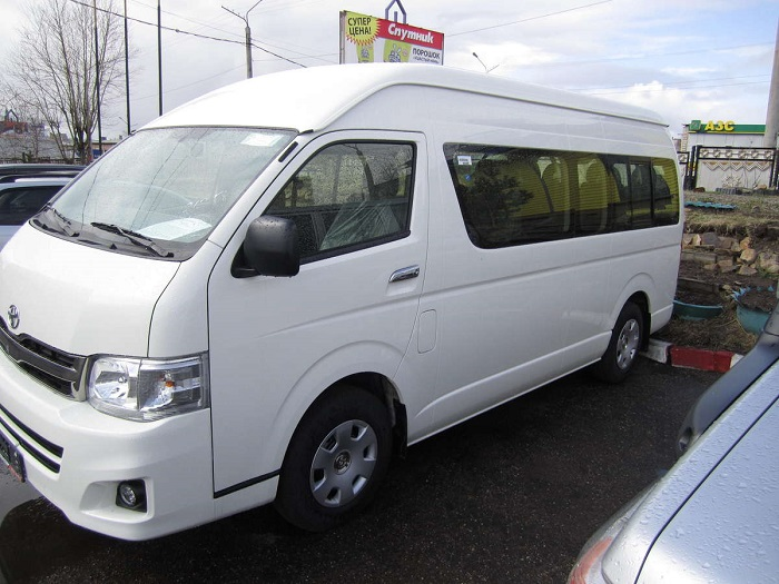 Toyota-Hiace-03