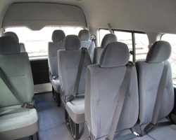 Toyota-Hiace-05