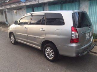 Toyota-Innova-01