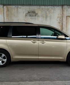 Toyota Siena-2