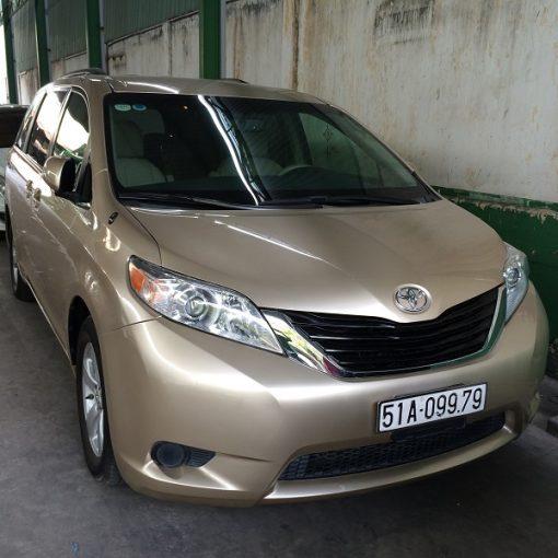 Toyota Siena-3