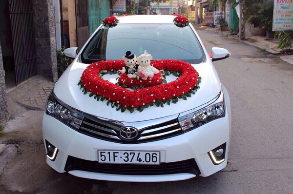 Thuê Xe Cưới Toyota Altis 01