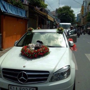 Xe-cuoi-Mercedes-02